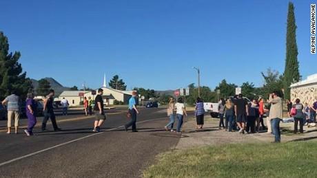 cnnee brk tiroteo en secundaria de texas _00011516