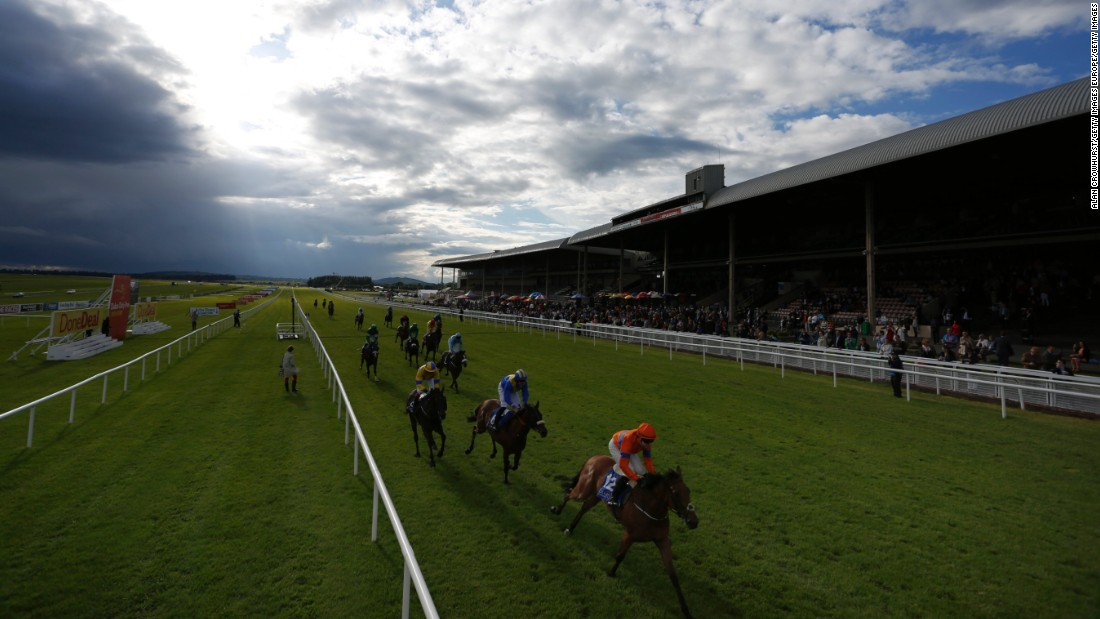 The conclusion of the Donedeal Apprentice Derby at the Curragh in June 2016.