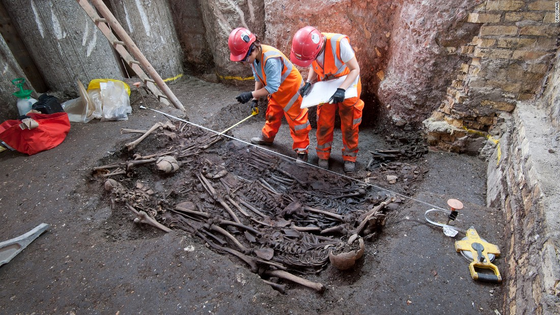 "The mass grave was thought to be a ""plague pit,"" discovered by <a href=""http://www.crossrail.co.uk/news/articles/dna-of-bacteria-responsible-for-london-great-plague-of-1665-identified-for-first-time"" target=""_blank"">Crossrail</a> when constructing a new station at Liverpool Street in 2015."