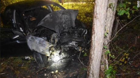burning car rescue dashcam footage waldorf wjla pkg _00010222.jpg