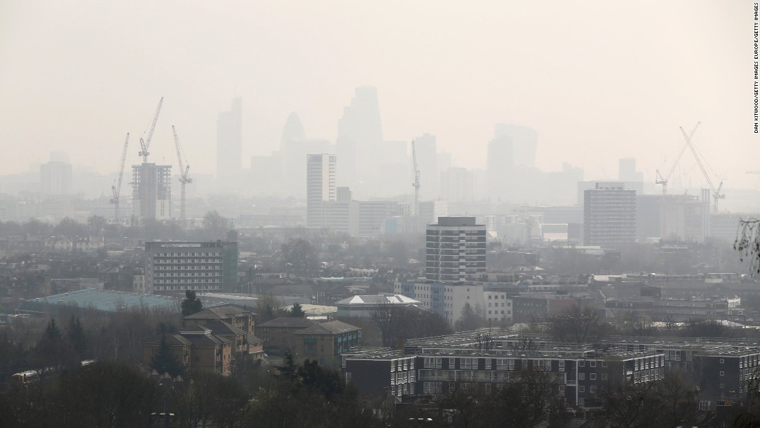 London has longstanding problems with air pollution, which poses serious health problems to its inhabitants. An estimated 9,400 citizens die of conditions relating to poor air quality each year, and diseases such asthma are increasing in pollution hotspots.