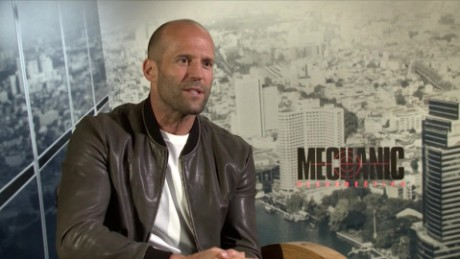 cnnee showbiz intvw jason statham mechanic resurrection accion_00001009