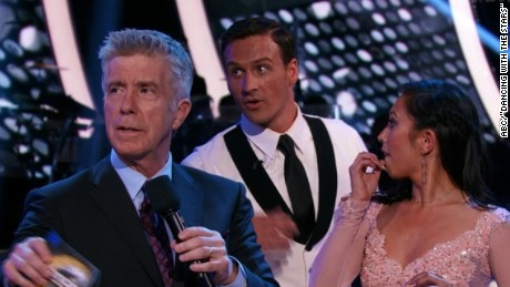 Lochte's 'DWTS' debut interrupted by protesters