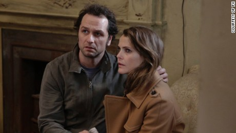 Matthew Rhys as Philip Jennings, Keri Russell as Elizabeth Jennings.
