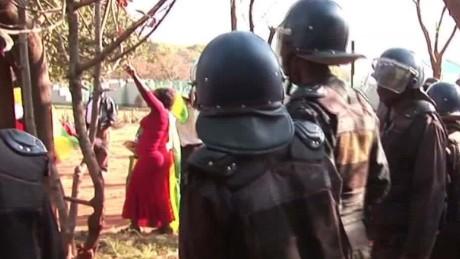 zimbabwe anti-govt protests rise mckenzie dnt_00005527