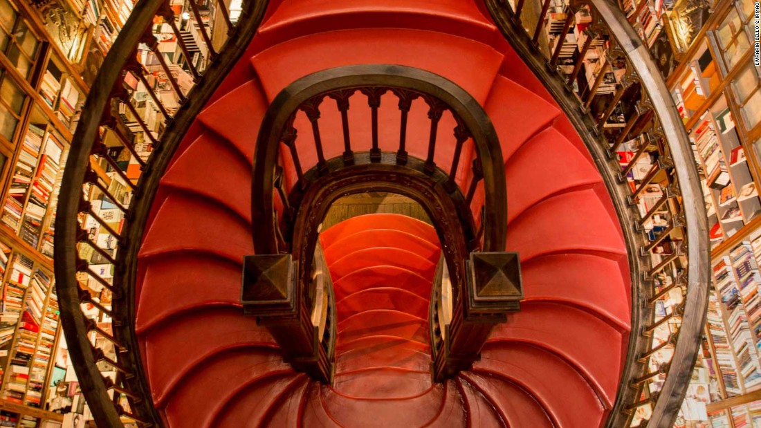 The store was first opened by the Lello brothers in 1906. Francisco Xavier Esteves oversaw its design.