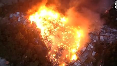 cnnee vo cafe incendio en favela _00000000