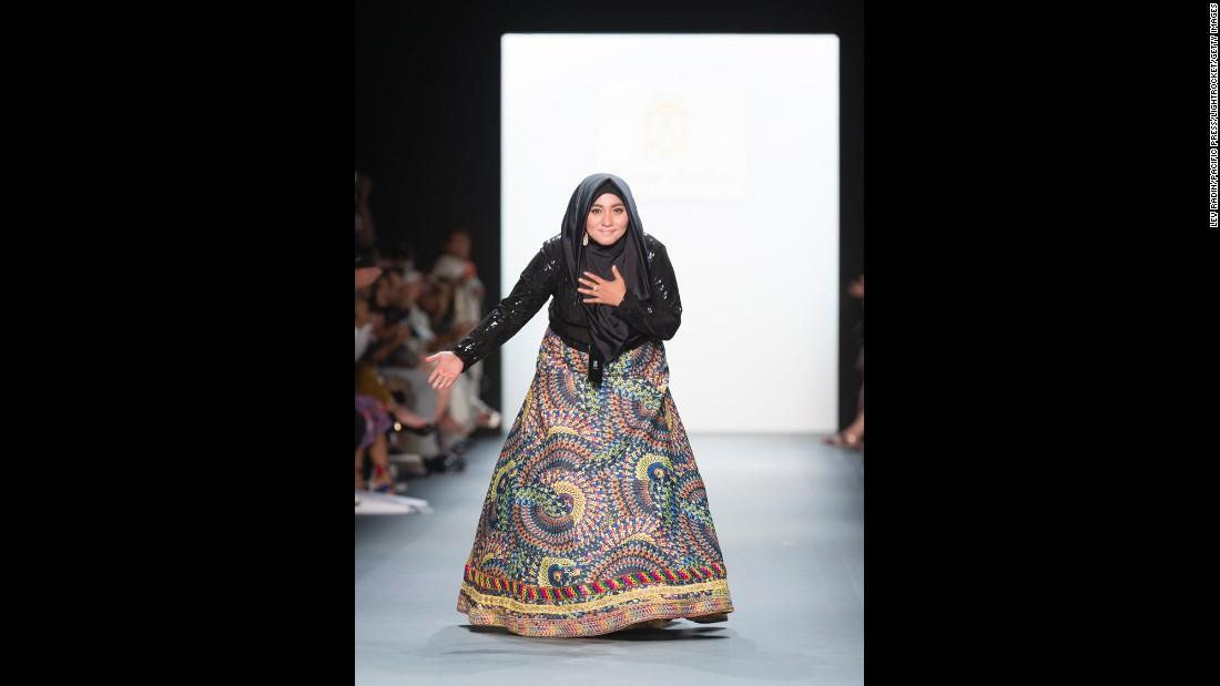 Designer Anniesa Hasibuan.