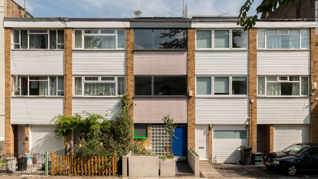 A 1960s mid-terrace near Finsbury Park has been revitalized by Archmongers with brick and timber extensions, glazed façade tiles and full-length windows.