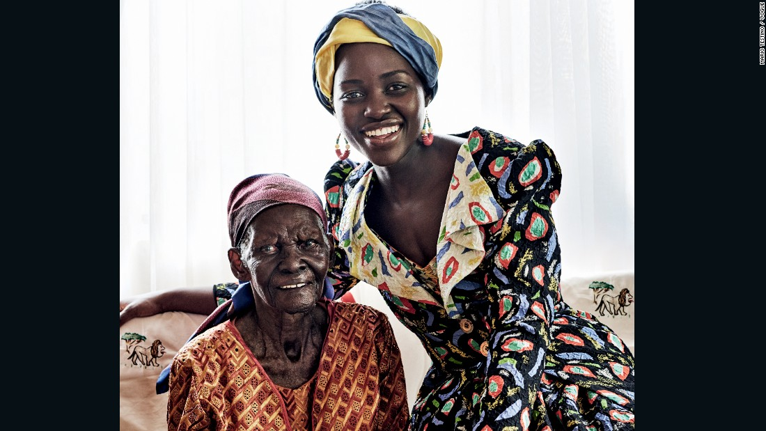 The Hollywood star also posed with her paternal grandmother Dorca. In the photograph she wears an Olowu silk coat and skirt, with a Cult Gaia turban.