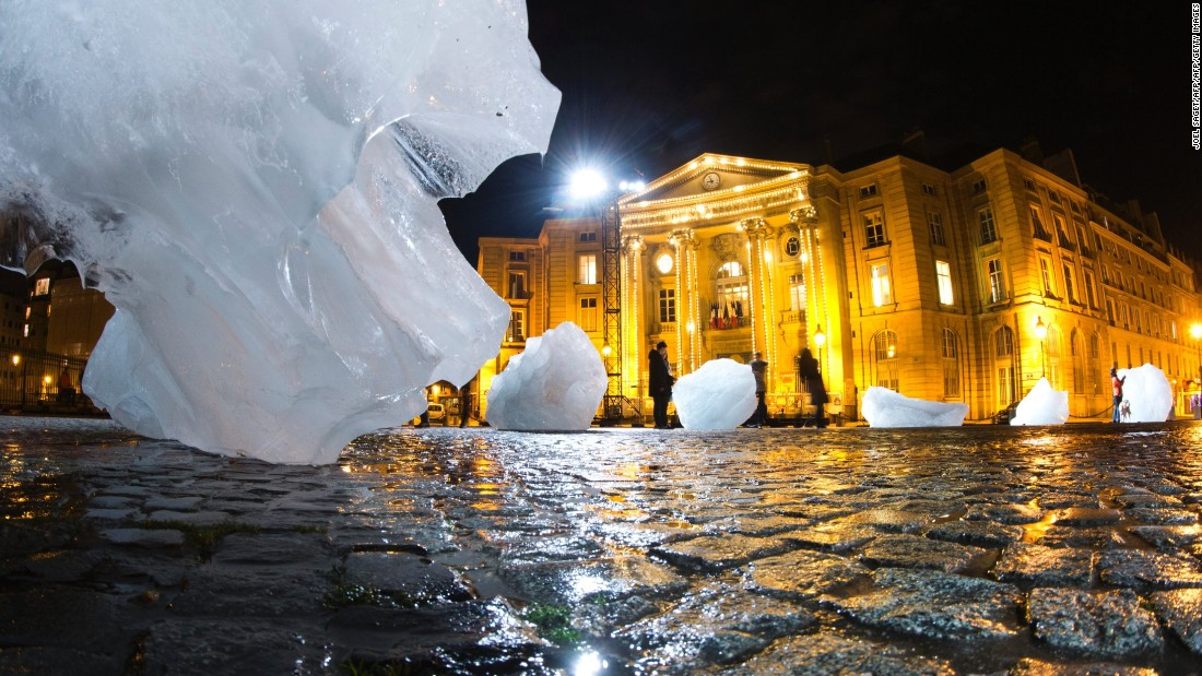 The installation was part of a project presented during the World Climate Change Conference 2015.