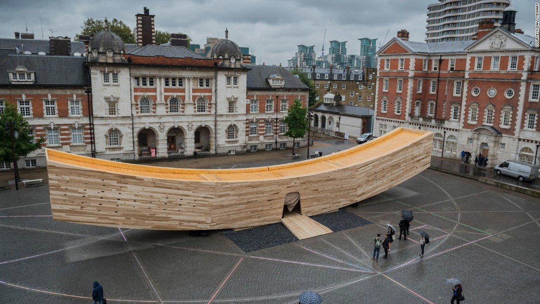 The curved, tubular timber structure measures 3.5 meters (11.5 feet) high, 4.5 meters (14.8 feet) wide, and 34 meters (111.5 feet) long.