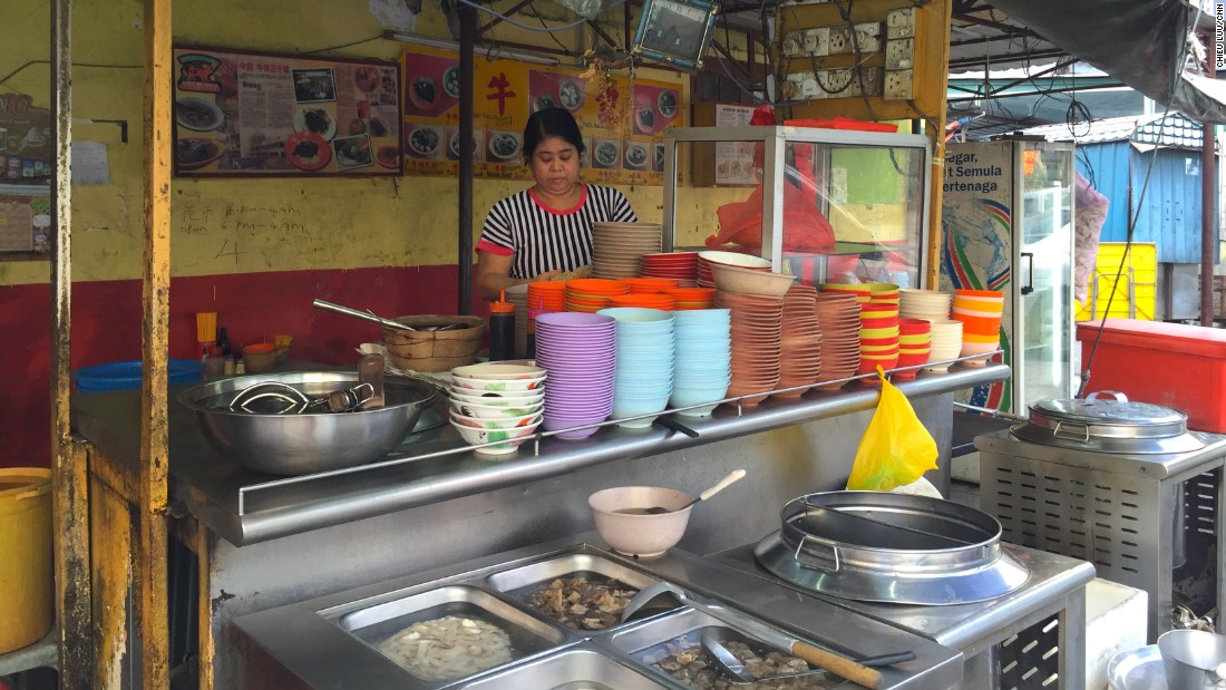 Tucked away in an alleyway in Bukit Bintang, the Ngau Kee noodle stand is a family business that's been running for more than 40 years.