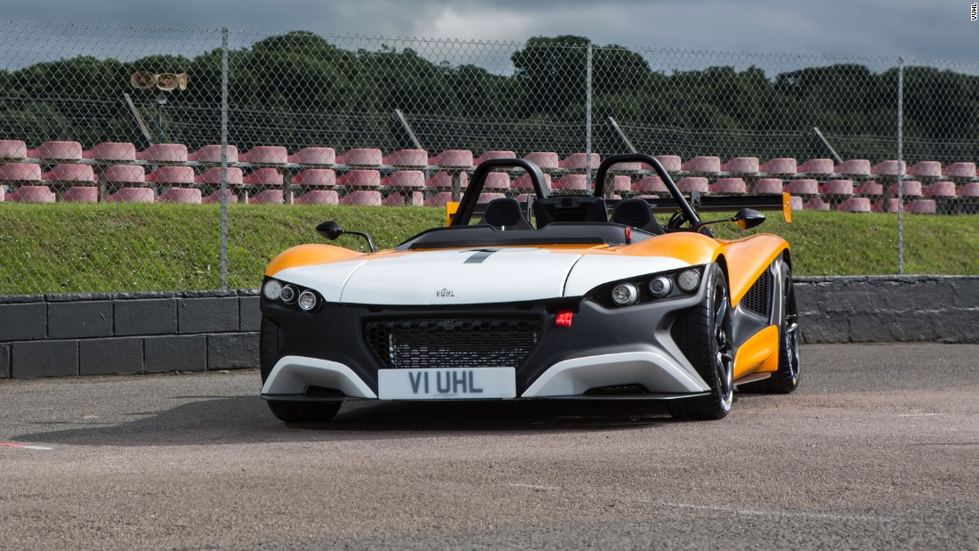 The kerb weight of the Vuhl 05RR is 725kg, making it half the weight of a BMW M2.
