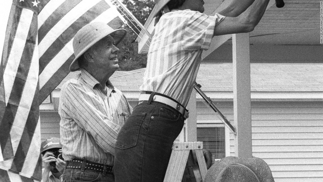 Jimmy & Rosalynn Carter working together on a home in Charlotte, North Carolina, in 1987.