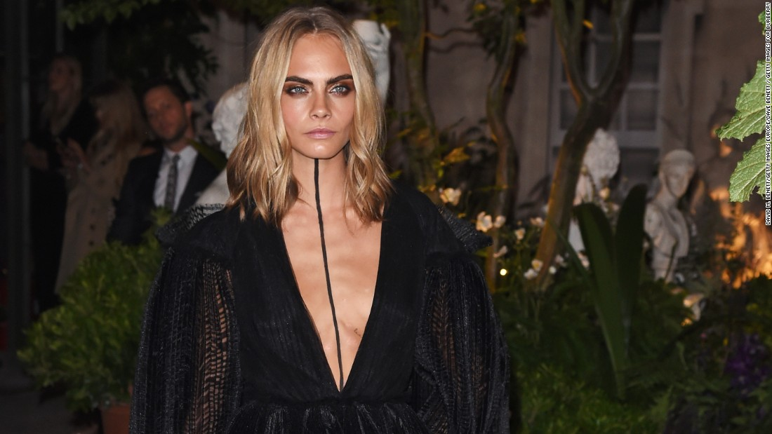 Cara Delevingne wears Burberry at the Burberry September 2016 show during London Fashion Week SS17.