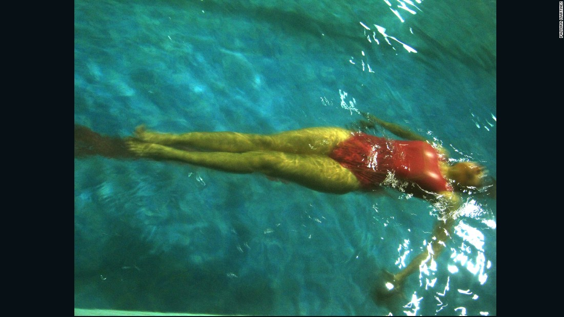 Palmira Martinez photographed a swimmer doing laps.