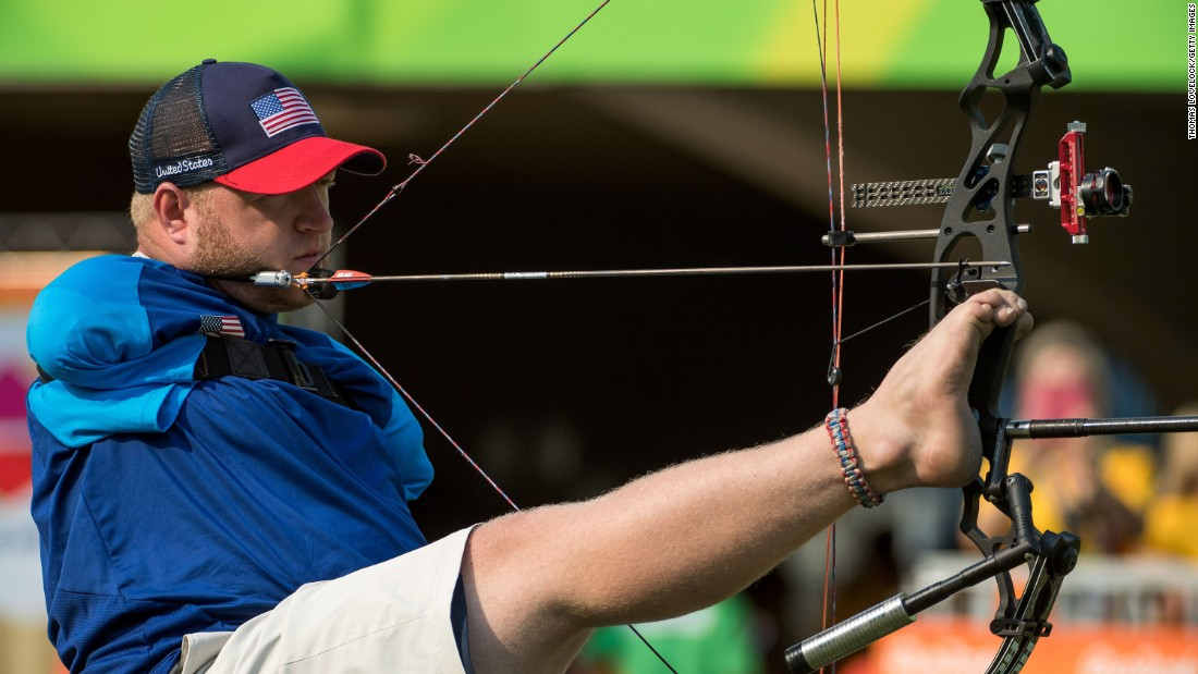 U.S. archer Matt Stutzman competes in the Paralympics.