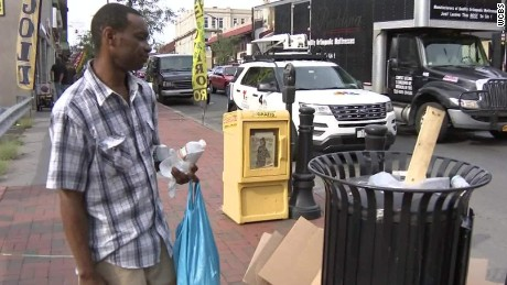 two men find bomb trash can elizabeth nj pkg _00000322