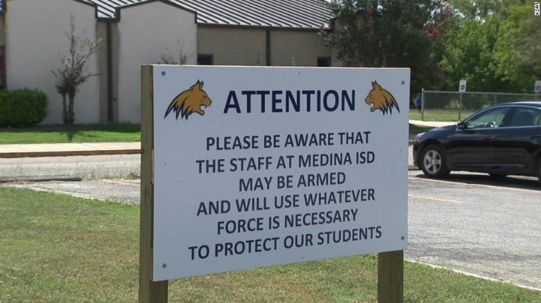 texas school district gun sign pkg_00013624