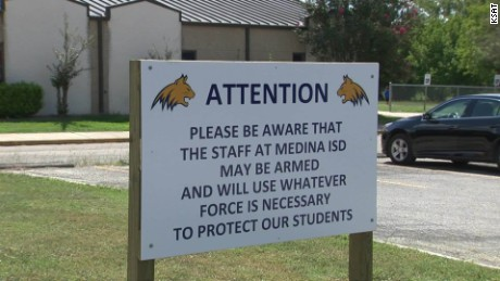 texas school district gun sign pkg_00013624