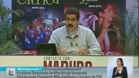 cnnee sot maduro estatua a chavez colombia paz_00000000