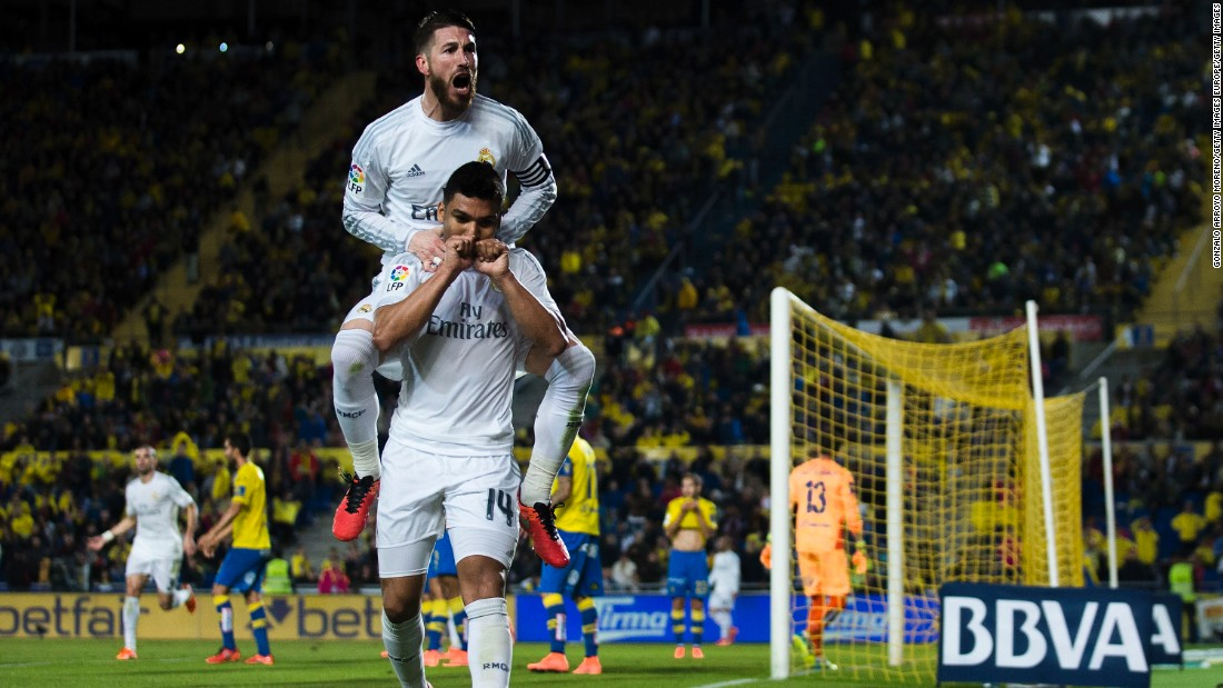 Casemiro celebrates scoring an 89th minute winner away at Las Palmas on March 13, the first of four late goals Real Madrid would score during its 16-game streak.