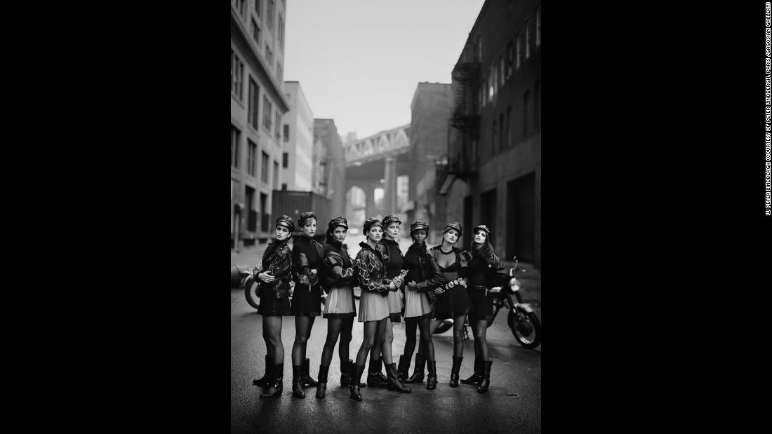 (L-R) Cindy Crawford, Tatjana Patitz, Helena Christensen, Linda Evangelista, Claudia Schiffer, Naomi Campbell, Karen Mulder and Stephanie Seymour for Vogue, Brooklyn, 1991