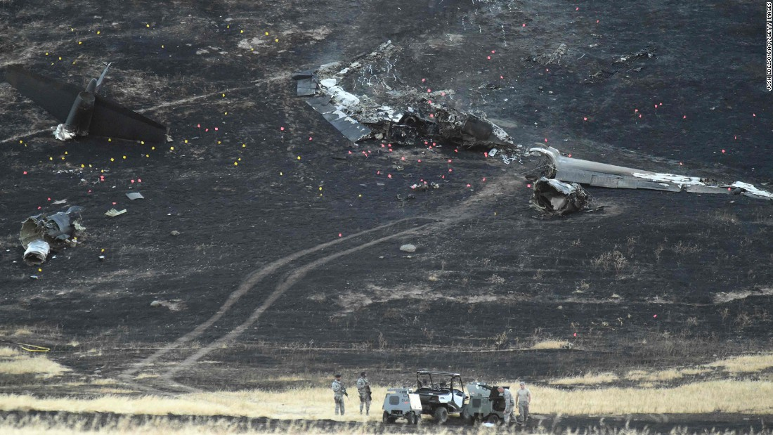 "Members of the military investigate the site where an Air Force U-2 Dragon Lady <a href=""http://www.cnn.com/2016/09/20/politics/california-u-2-crash/"" target=""_blank"">crashed shortly after takeoff</a> Tuesday, September 20, in northern California. One pilot died and another was injured. They were on a training mission."