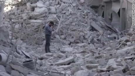 aleppo more airstrikes wedeman lok_00002326.jpg