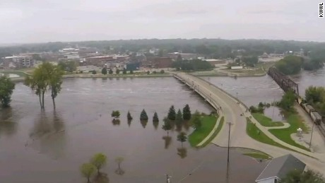 drone video captures devastating iowa floods derek van dam_00012003