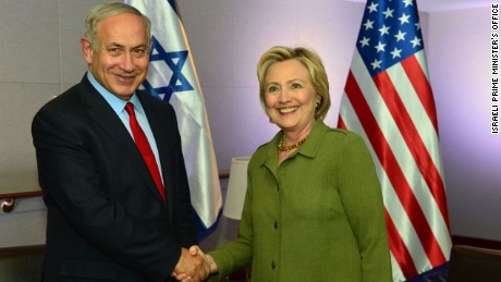 Israeli Prime Minister Benjamin Netanyahu shakes hands with Democratic presidential nominee Hillary Clinton after the two sat down for a conversation in New York, N.Y. on September 25, 2016.