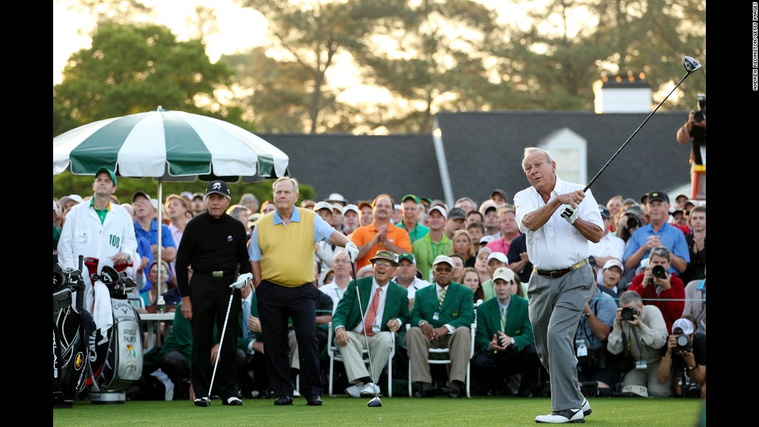Gary Player, left, and Jack Nicklaus, center, watch on as Palmer begins the 2012 Masters.