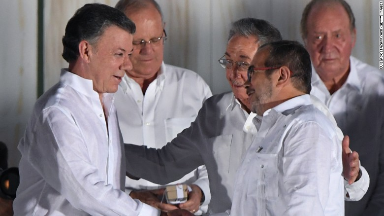 Voters narrowly reject agreement with FARC rebels