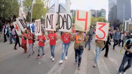 cnnee pkg rey rodriguez ayotzinapa mexico_00015524