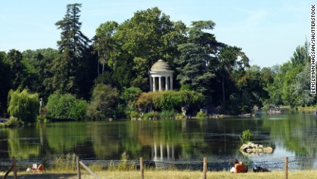 Lac Daumesnil in southeast Paris is one proposed location for a new naturist park.