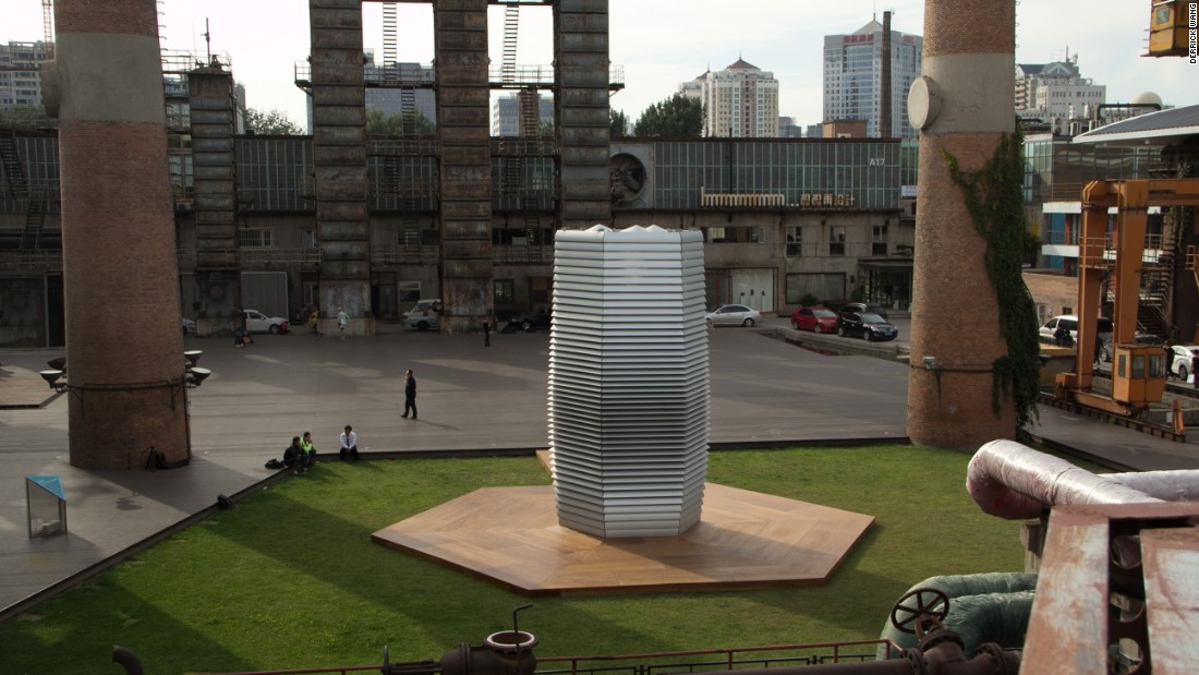 The Smog Free Tower cleans 30,000 cubic meters of air per hour via patented ozone-free ion technology and uses a small amount of green electricity.