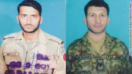 Killed Pakistani soldiers, Naik Imtiaz (L) and Havildar Jumma Khan (R).