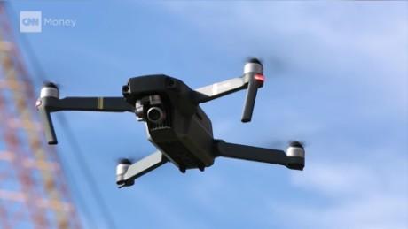 cnnee pkg samuel burke drones de bolsillo_00004328