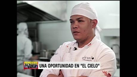 cnnee encuentro janiot intvw ruben dario exmilitar restarante cielo paz colombia_00022816
