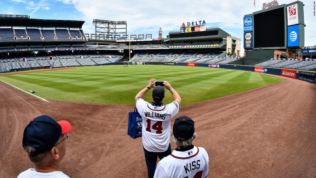 Atlanta Braves say goodbye to Turner Field - CNN.com