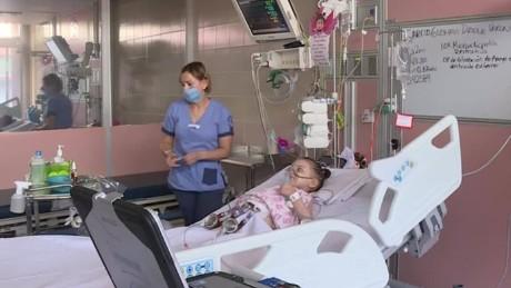 cnnee pkg alis primer transplante corazon artificial mexico nina_00020214