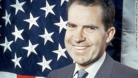 What if Richard Nixon never resigned?