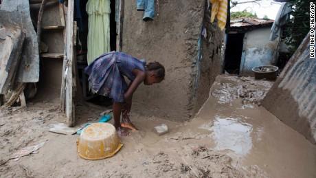 Hurricane Matthew pummels Haiti