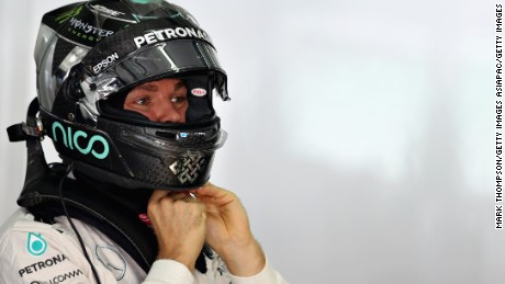 Japan GP: Nico Rosberg rises above 'bunnygate' to better Lewis Hamilton