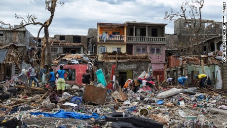 Hurricane Matthew leaves hundreds dead in Haiti