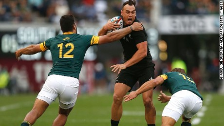 New Zealand's Israel Dagg scored twice as the All Blacks earned a record-equaling 17th consecutive win.