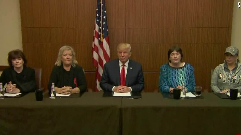 donald trump debate clinton accusers st louis photo op_00000000