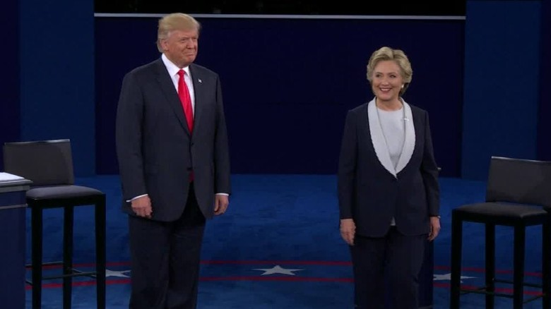 trump clinton debate st louis no handshake_00001014