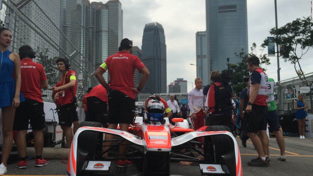 Mahindra Racing on the grid shortly before Sunday's ePrix.